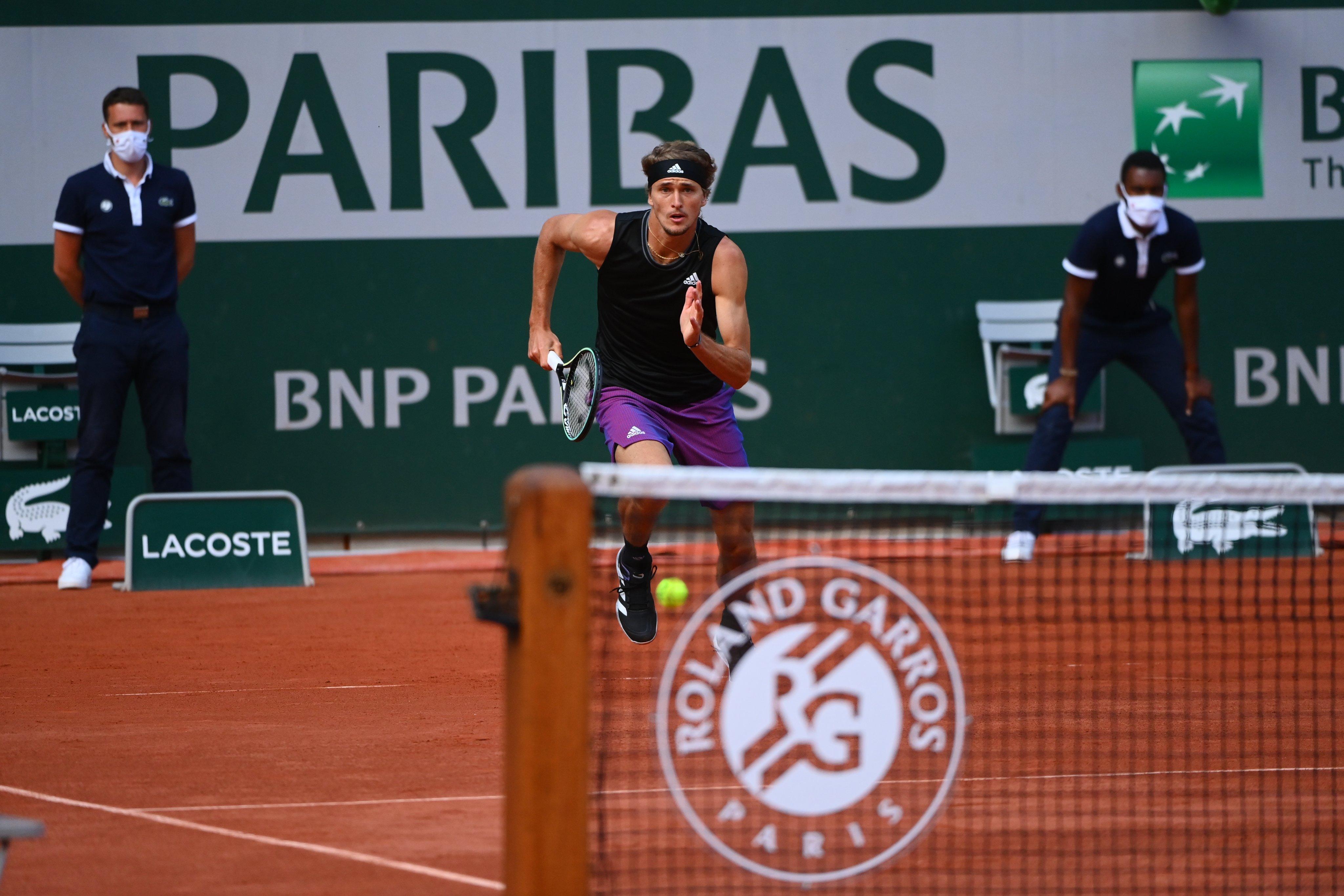 Alexander Zverev vence espanhol e faz semifinal em Paris