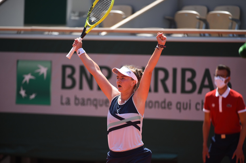 Barbora Krejcikova vence Gauff e faz semifinal de Roland Garros