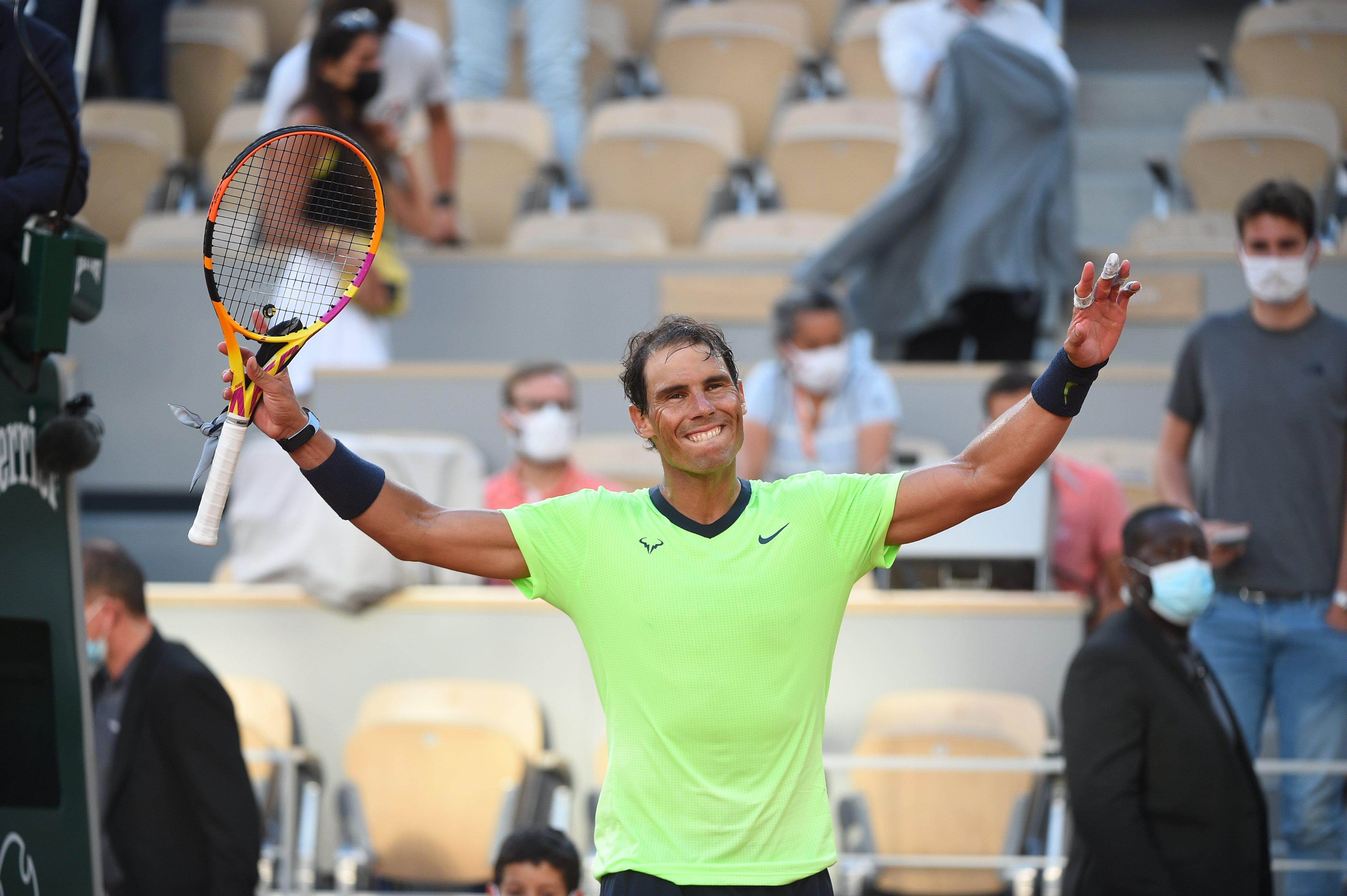 Nadal vence e faz semifinal em Roland Garros