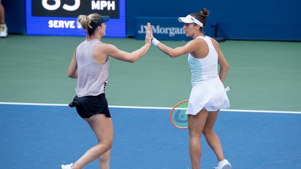 Com lesão, Stefani abandona e dupla para na semifinal